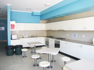 kitchen - addison road accommodation